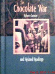 Chocolate War and Related Readings : McDougal Littell Literature Connections - Cormier, Robert